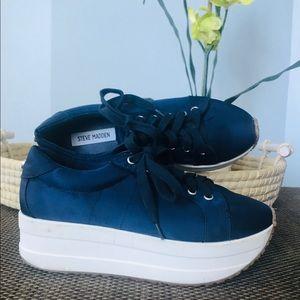 Steve Madden platform sneakers navy & white